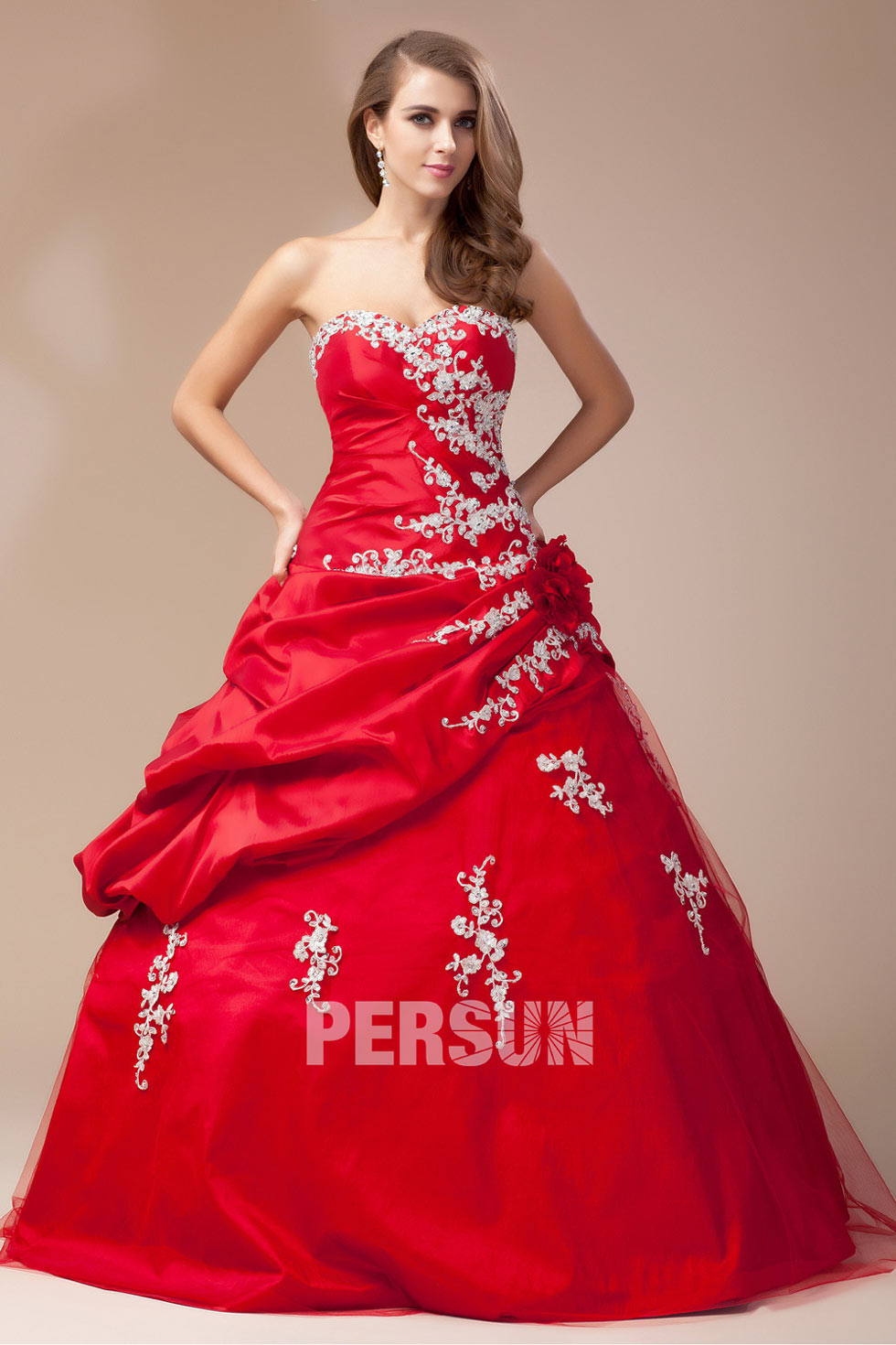 Robe mariage blanche et rouge dentelle